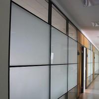 佛山玻璃隔断 办公室高隔间,玻璃隔断,百叶隔断铝材,佛山办公屏风,史贝斯隔墙